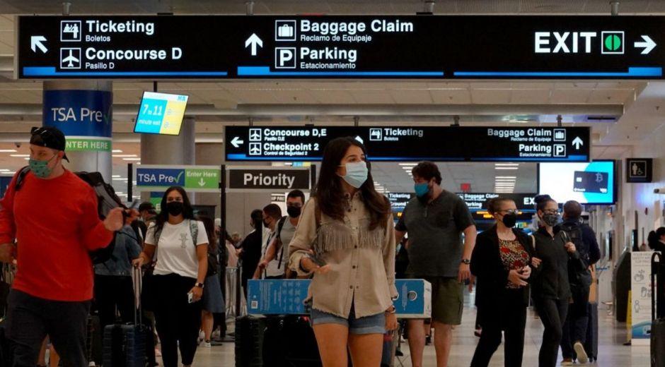 Los viajeros deberán presentar una PCR negativa 72 horas antes del vuelo.