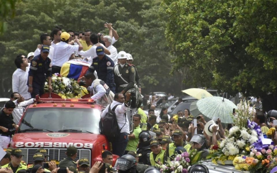 Miles de seguidores se despiden de Martín Elías.
