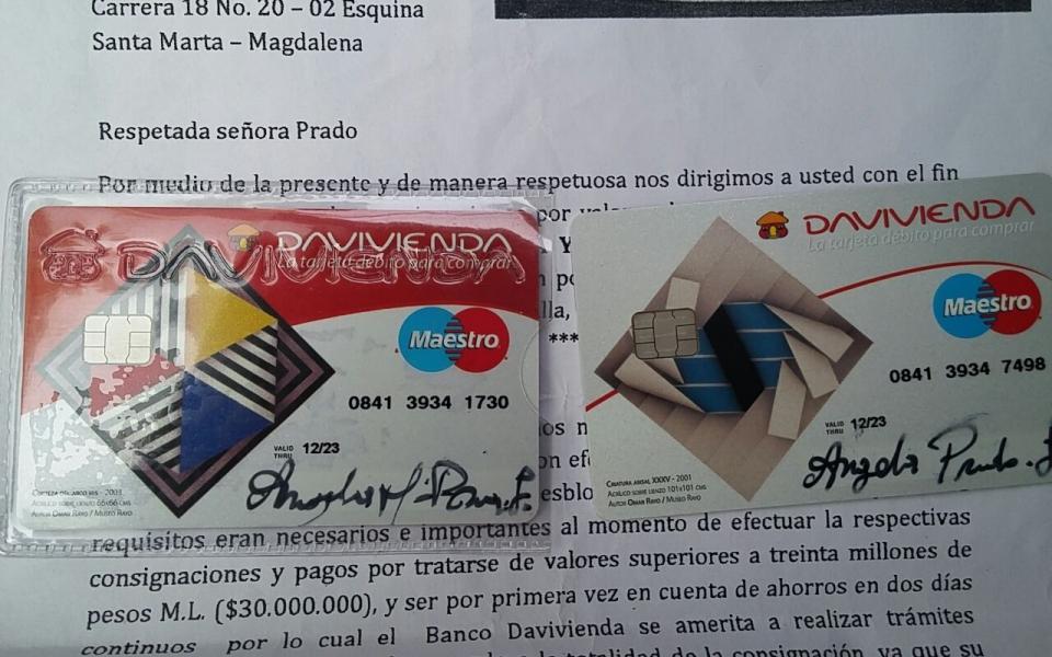 Prado Lozano entregó tarjetas donde simulaba la consignación del dinero de la herencia.