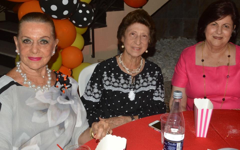 Carmen Abondano, Rosalía Solano y Miriam Hassin