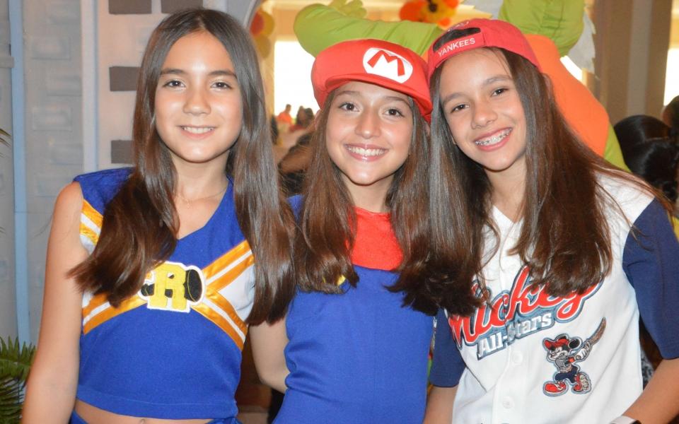 Valentina, Isabell y Ana María Soto