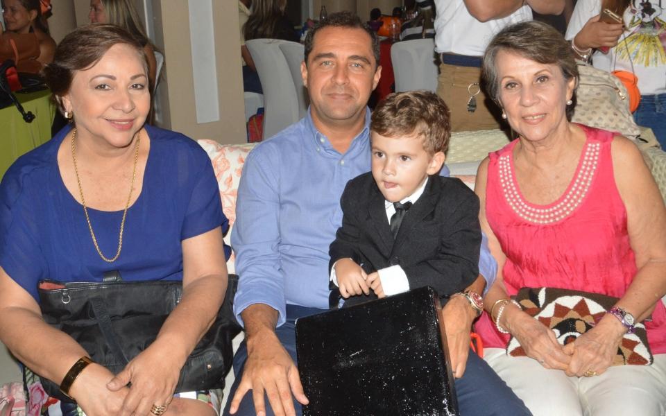 José Pinedo, Consuelo de Zúñiga, José Pablo Pinedo y Piedad Cuello