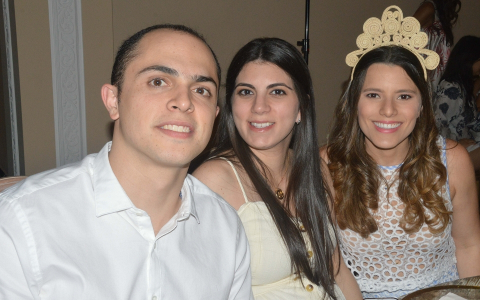 Beatriz González, Juliana Moisés y Andrés Hernández.