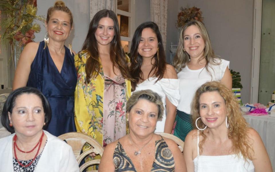 Taliana Vargas, María Paulina Carrillo, Martha Abello, Zarita Abello, Milta Carrillo, entre otros invitados.