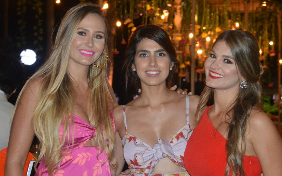 Maribel Correa, Pamela Herrera y Adriana Campo