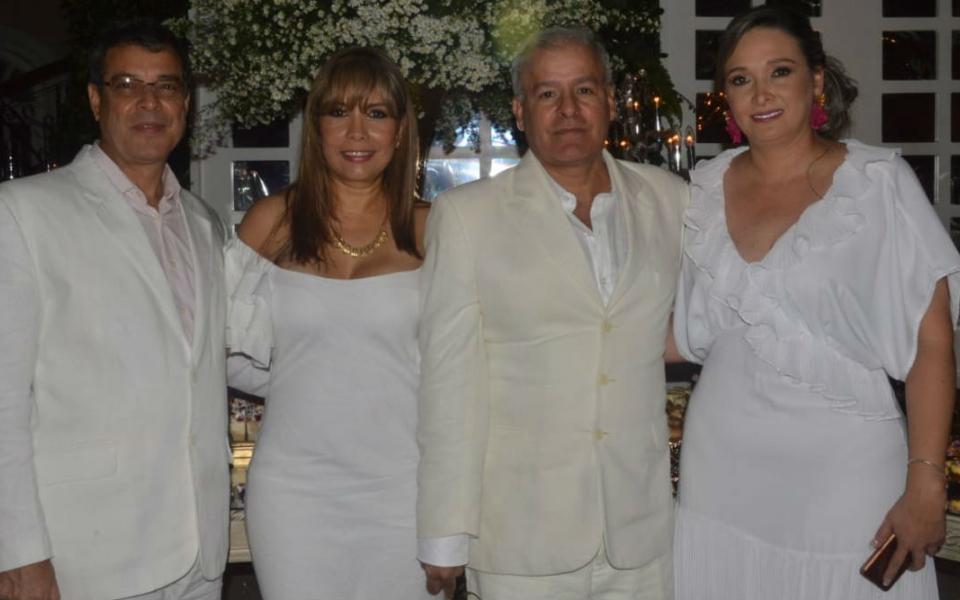 Mauricio Meyer, Rita Mary de Meyer, Jaime Saade y Liliana de Saade