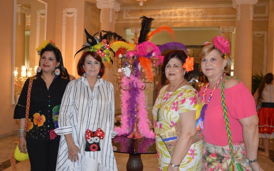 Patricia Riaño, Socorro Navarro, Miriam Jassir y Ana María Olivella.