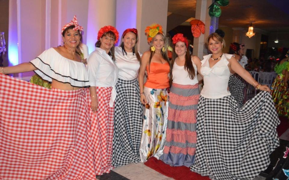 Mónica Sanabria, Rosalba Muñoz, Carolina Hernánez y Johana Mancuso (organizadora del evento), entre otras.