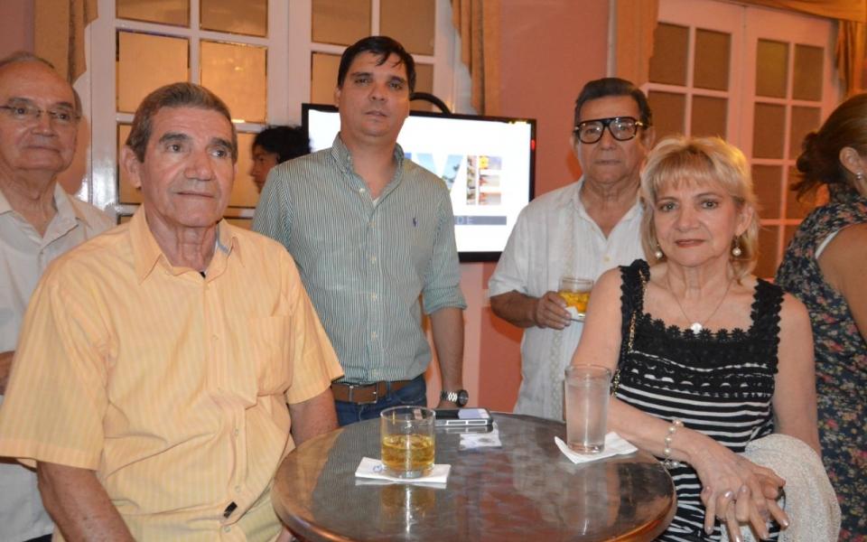Algunos de los invitados al coctel: Francisco Ceballos, Clemente Díaz Granados, Ángela Ceballos de Díaz Granados.