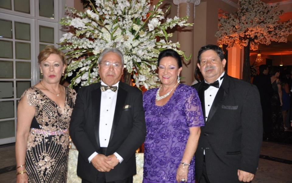 Christina Fechas, Edgar Espinosa, Miery de Espinosa y Jairo Espinosa.