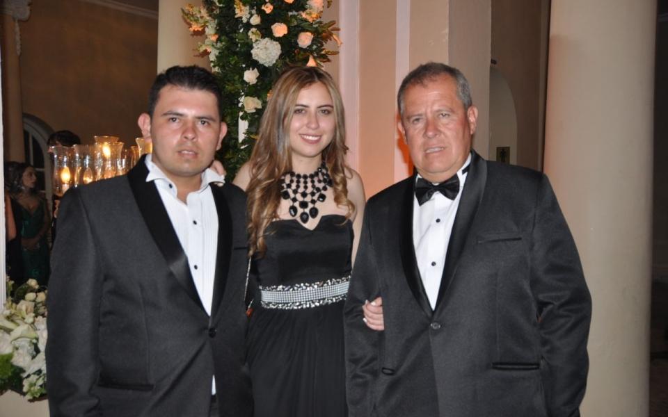 Danilo Motta, Daniela Motta y Henry Motta.
