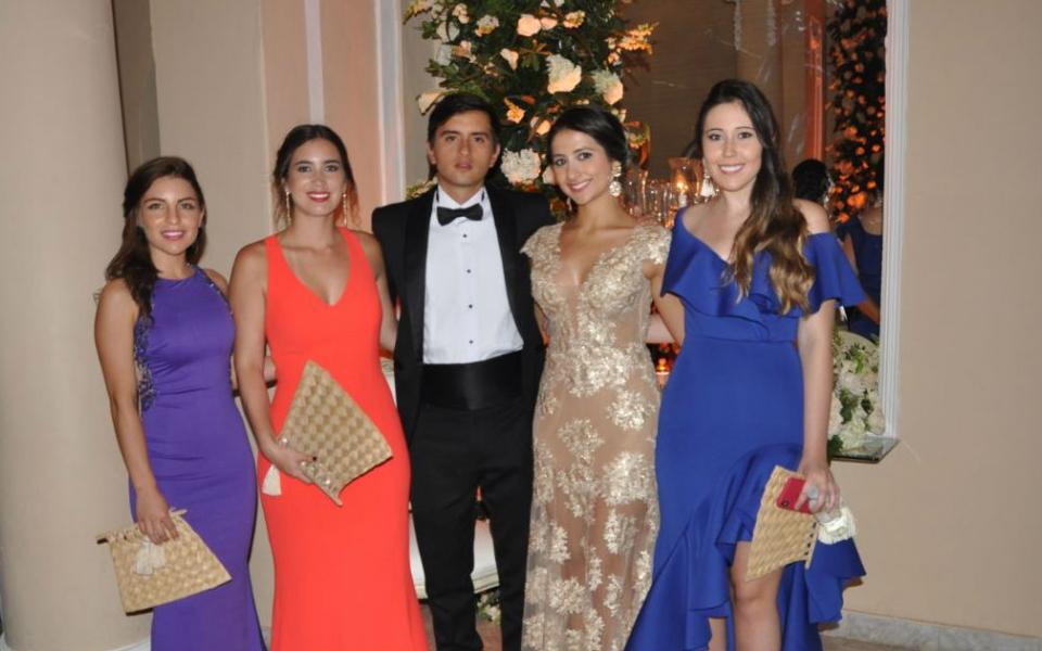 Mónica Pino, Melissa Ortiz, Luis Ortiz, Juliana Galindo y Laura Barriga.