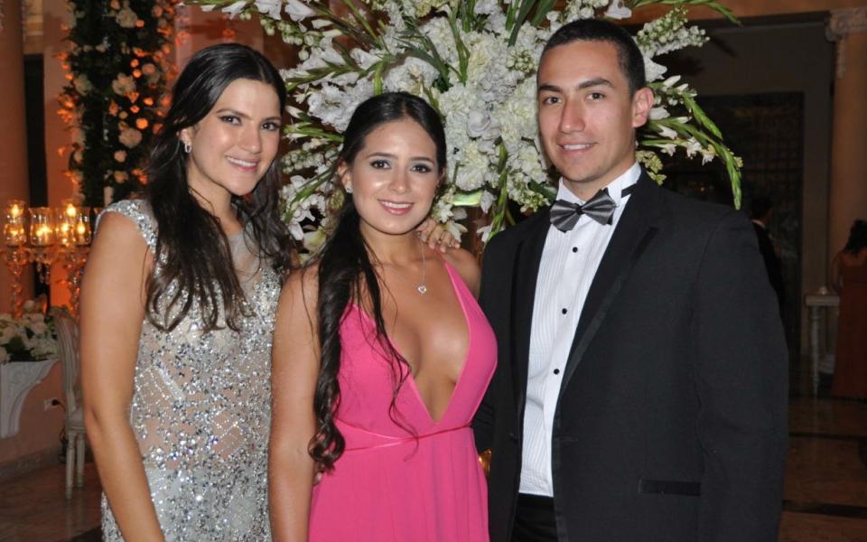 Isabella More, Paula Pérez y Daniel Martínez.