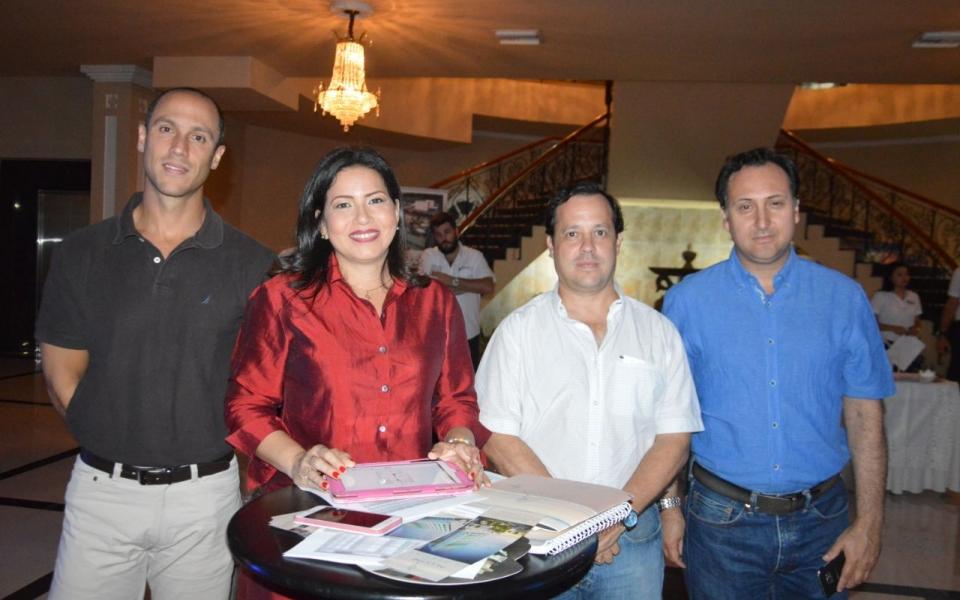 Alfredo Lacouture, Nancy Lucía Llath, Alberto Zúñiga y Juan José Olivella.