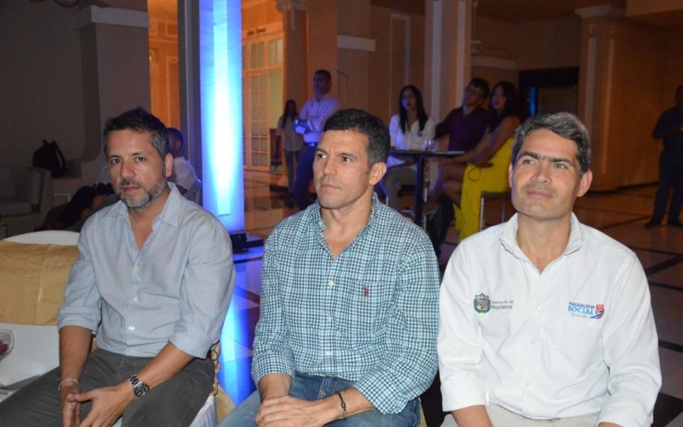 Mauricio Arriega, Eduardo Gutiérrez y Carlos Gutiérrez.