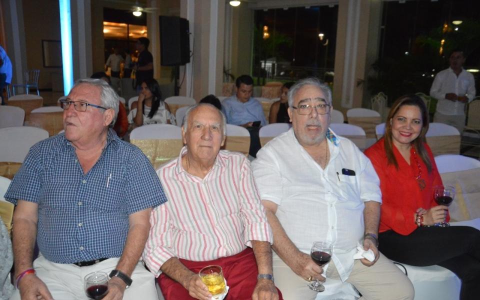 Rafael Méndez Campo, Carlos Gutiérrez, Édgar Guerrero y Ezmin Covelli Dávila.