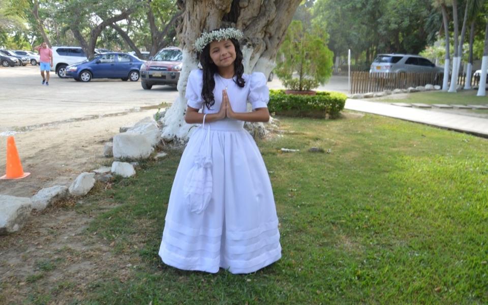 Recibe la primera comunión la niña Luciana Gutiérrez Moreno.