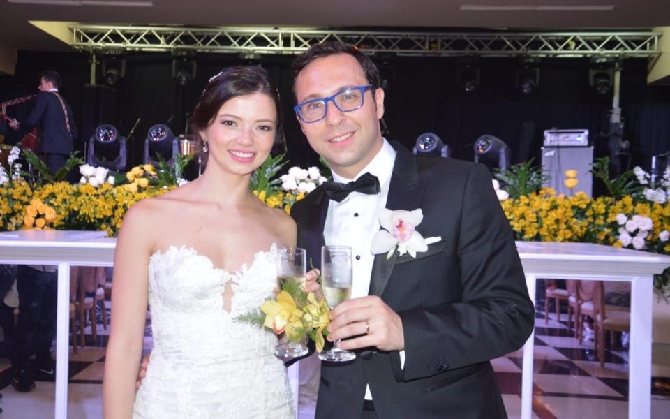 Los recién casados Natalia López y Gabriel Cifuentes.