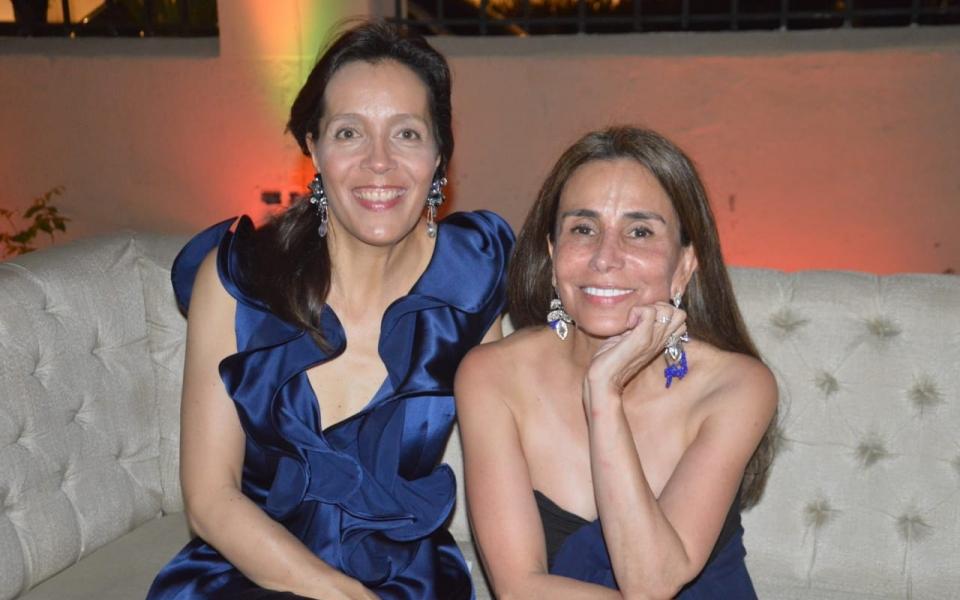 Leslie Stipek y Mariana Forero.