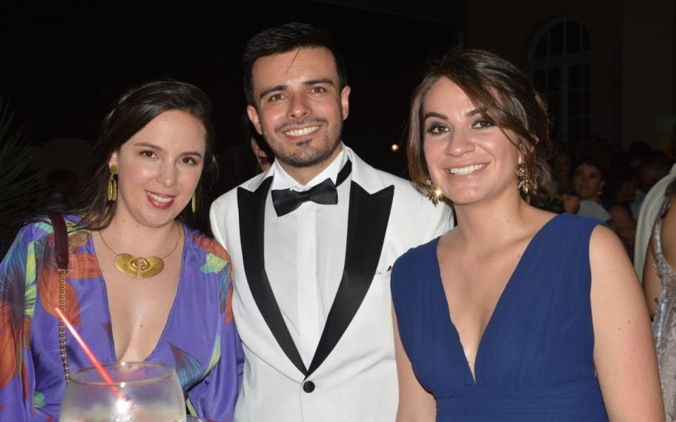 Ana María Reyes, Edwin Muñ.oz y Carolina Buendía
