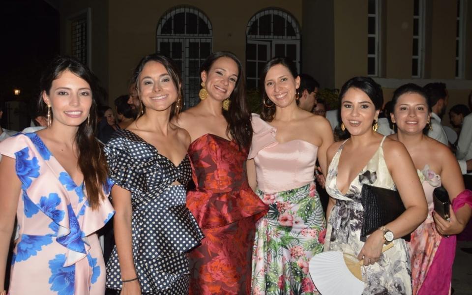 Natalia Amaya, Natalia Villalba, Tania González, Raquel Caputo, María del Pilar Cardona y Natalia Guerrero.
