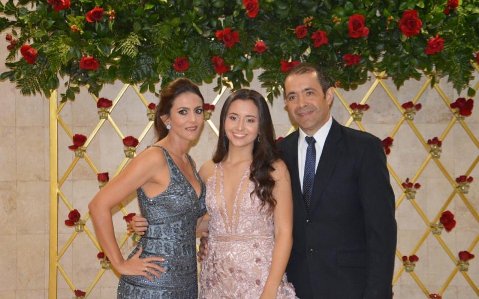 Jorge Luis Gnecco y Doris Varón, con Daniela Gnecco.