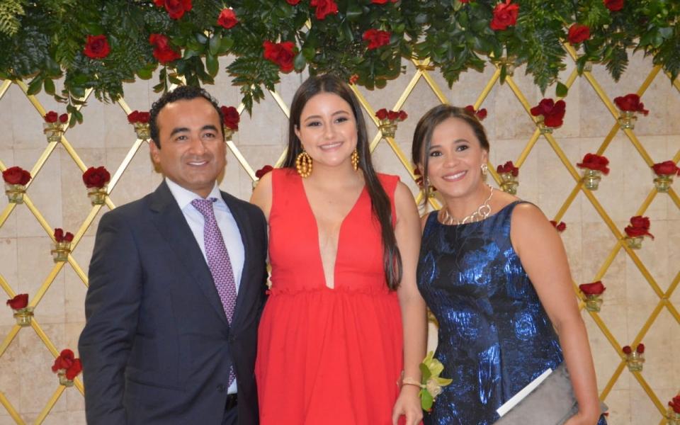Manuela Cáceres, Diana Tabares y Alberto García.