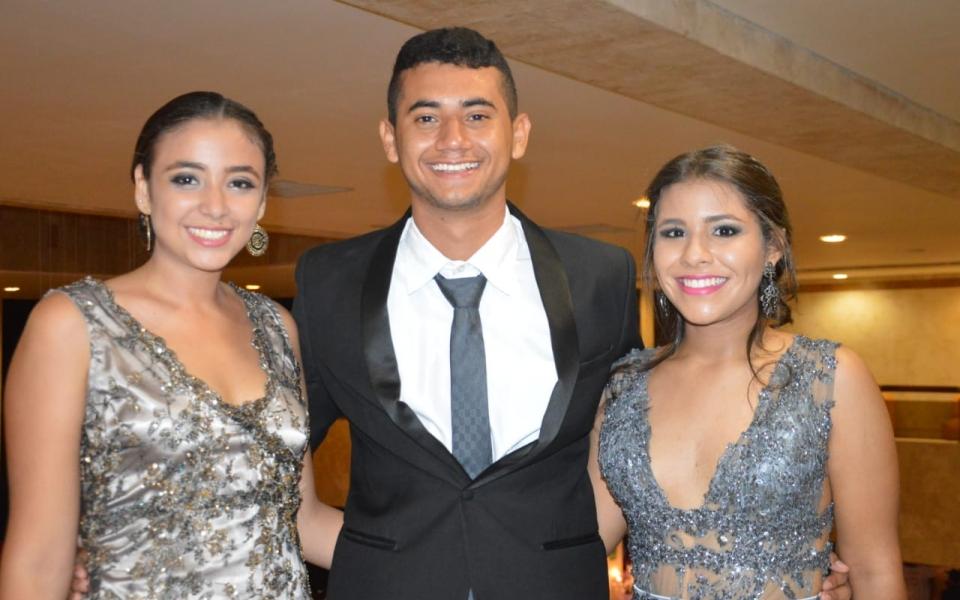 Ana Sofía Granados, Héctor Meza y Mariana Celedón.