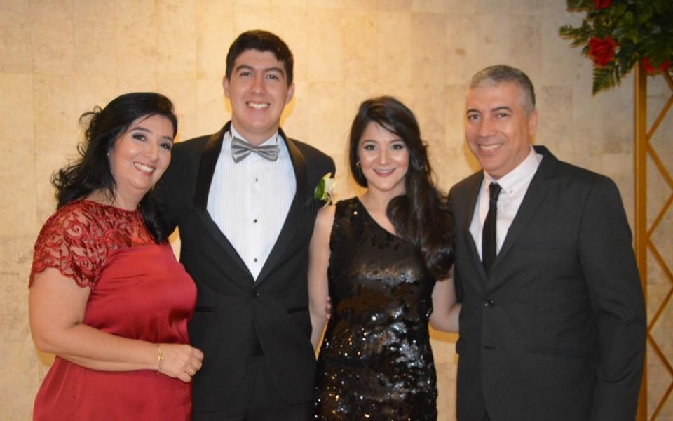 Manuel, Manuel Antonio, María Cristina y María Carolina Ovalle.