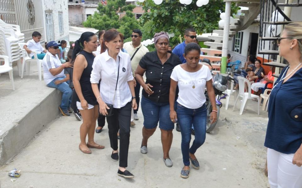 La gobernadora Rosa Cotes entregó personalmente sus condolencias