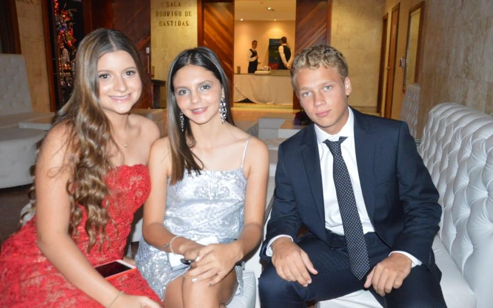 Mónica Vives Saravia, Sofía Álvarez y Francisco Lacouture.