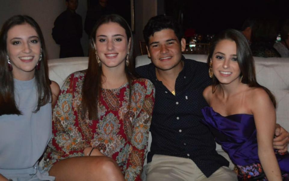 Camila Villegas, Julio Rafael Sánchez, Catalina Puche y Paola Puche.