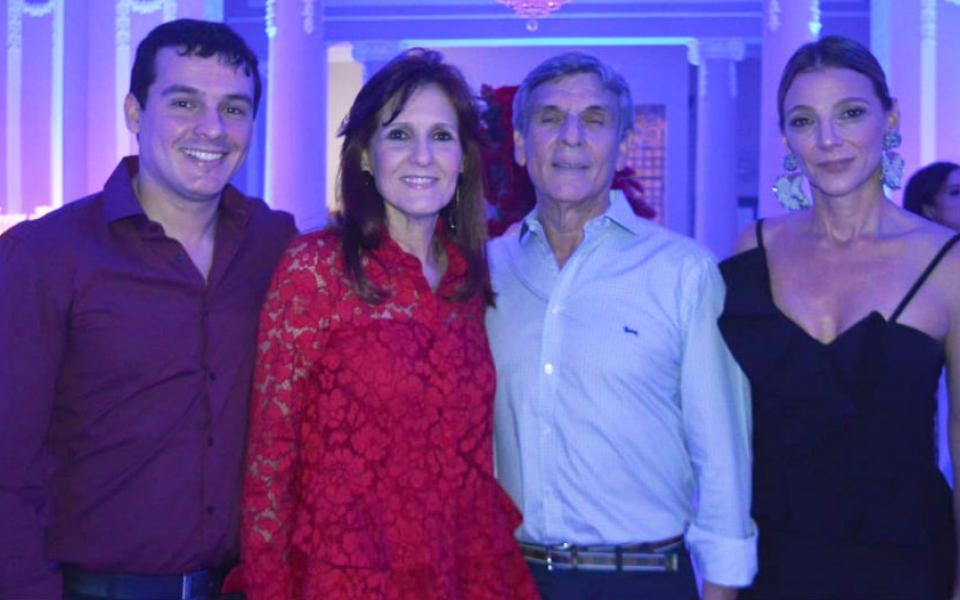 José  Francisco Zuñiga Cotes, Rosa Cotes, José Francisco Zúñiga y Beatriz Dávila.