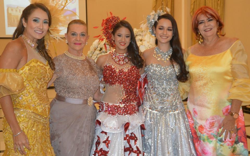 Gina de Lasala , Carmen Abondano , Alejandra  Sánchez , Juliana Alonso , Mariela Pinedo.
