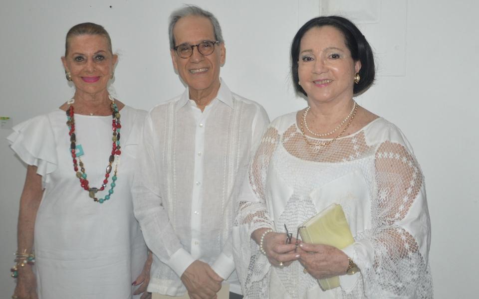 Jesús Ferro Bayona, Zarita Abello de Bonilla y Carmen Abondano.