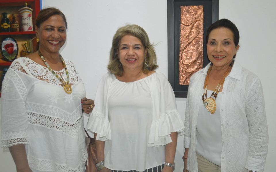 Miriam Díaz Segovia, Raquel Marino Angulo y Arnovis Bolaño.