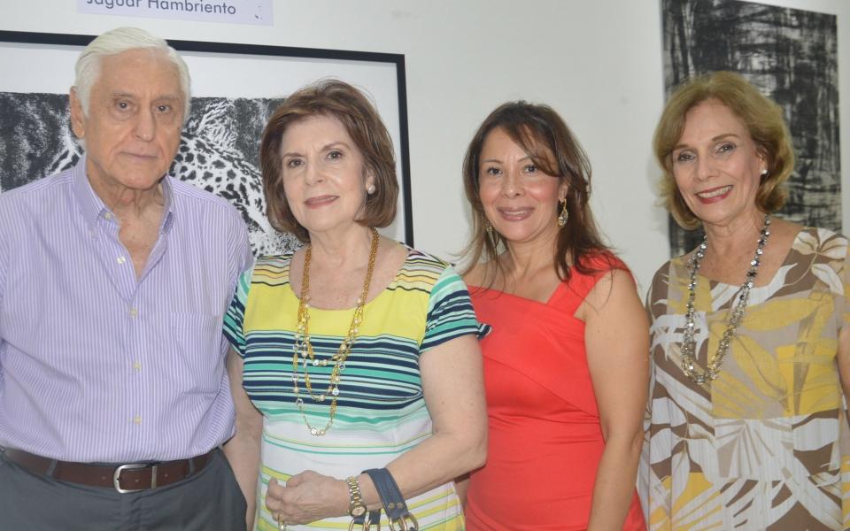 Beatriz Martha Zúñiga, Tulia Rosa Zúñiga, Johanna Vega y Jaime Delgado.