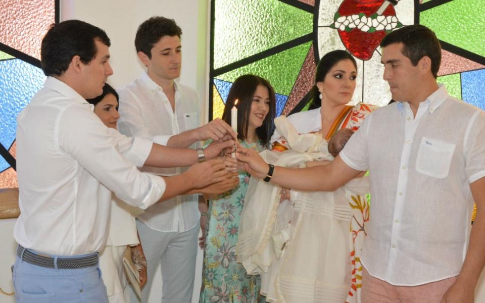 La ceremonia religiosa se celebró en compañía de familiares y padrinos de Rafael Ignacio Zúñiga Díaz Granados.