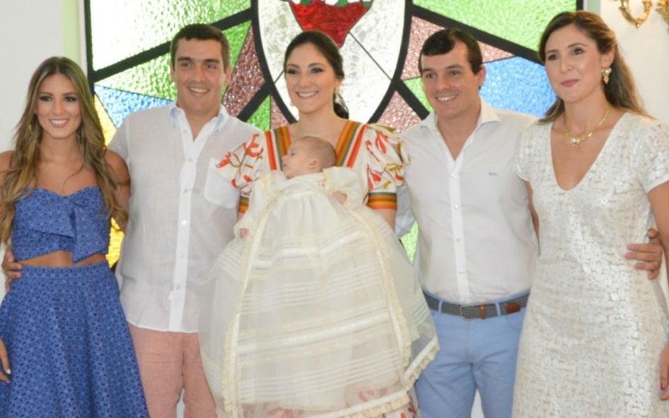 Rafael Ignacio Zúñiga Díaz Granados, su mamá Manira Díaz Granados sus tíos, Ana María Zúñiga, José Francisco Zúñiga, María Cristina Dávila.