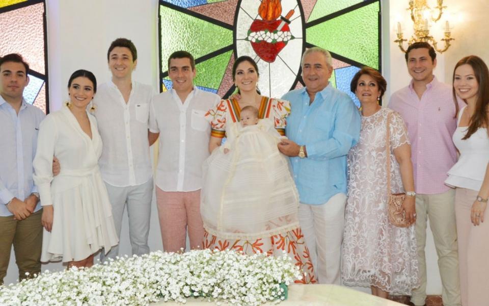 Verónica, José Ignacio y Simón Díaz Granados Guerra, Manira Díaz Granados, José Ignacio Díaz Granados (abuelo), Manira Guerra (abuela), entre otros familiares.