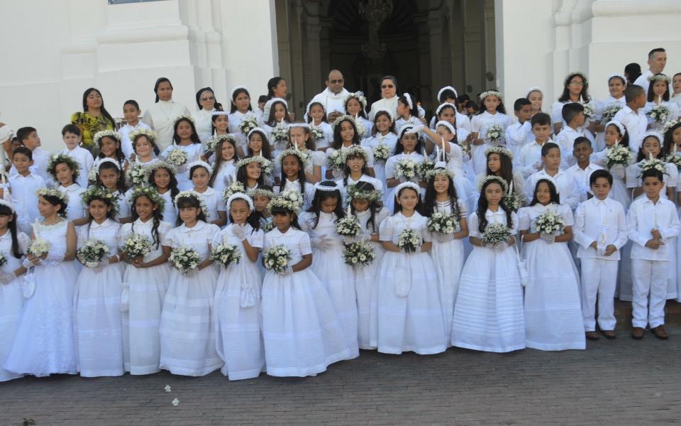 Este fue el grupo de niños y niñas que recibió el sagrado sacramento