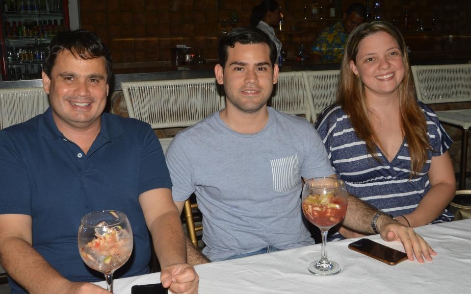 Fidel Vargas Salcedo, Ricardo Abello y Sarita Riascos.