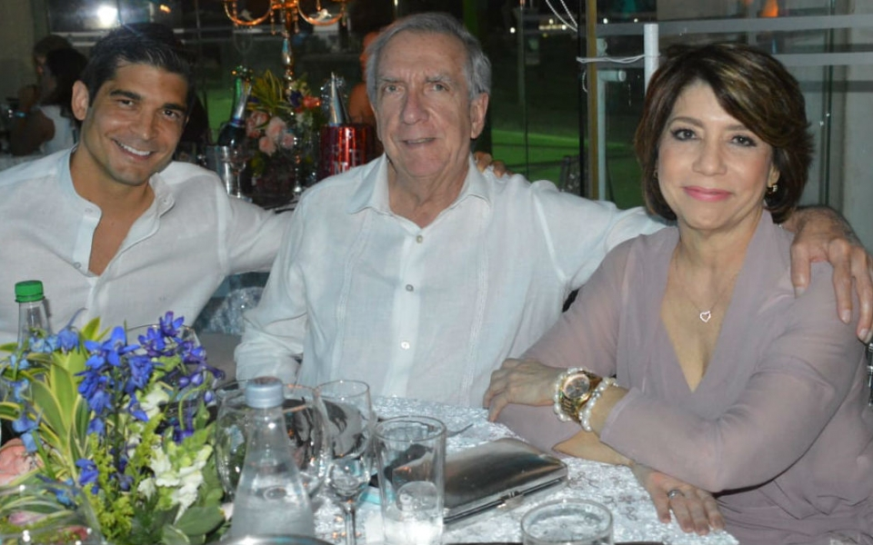 Gerardo Franco, Nelson Percy y Nancy Robles