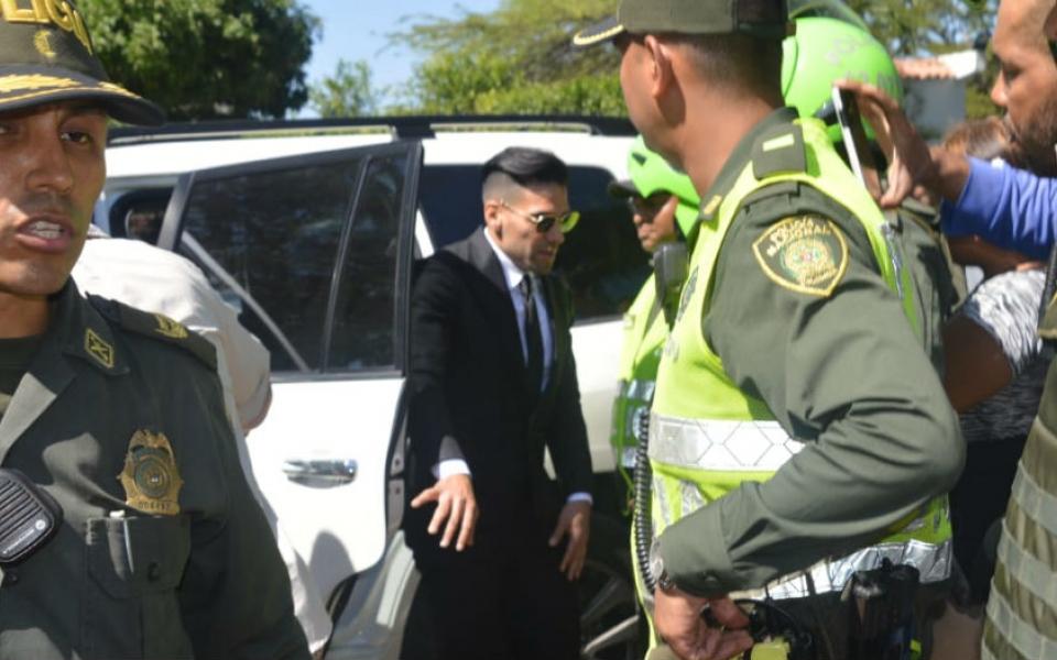 Llegada de Radamel Falcao al velorio de su padre, Radamel García King.