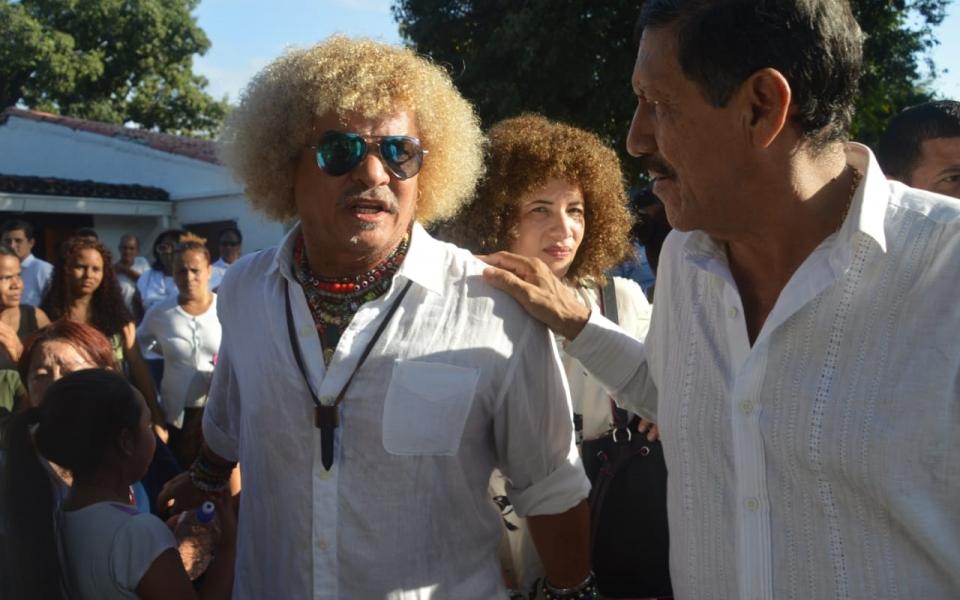 Carlos 'El Pibe' Valderrama y su esposa.