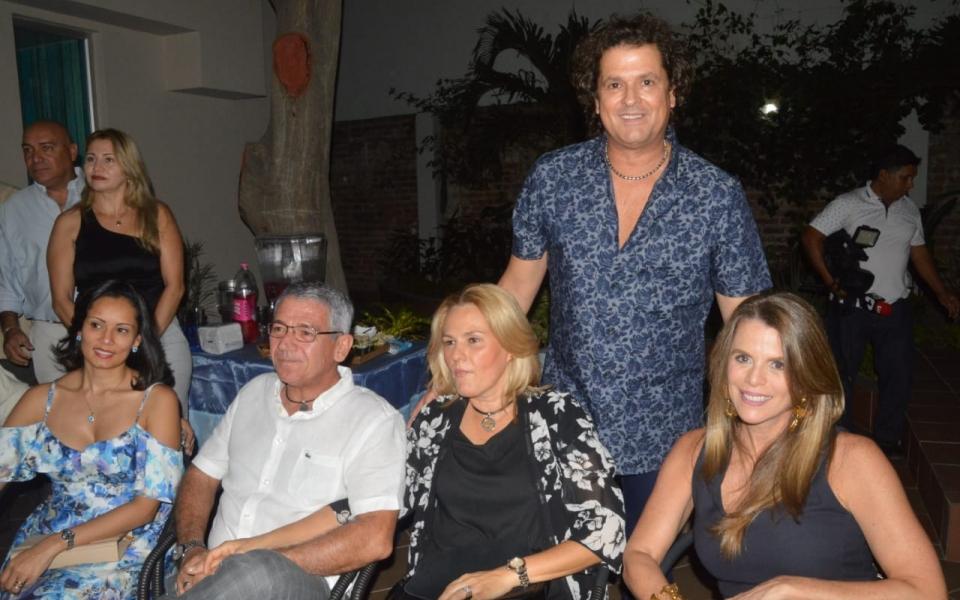 Carlos Vives, Carolina Macías, Pablo Salazar Mejía, Luz María Cotes Vives y Vicky Trespalacios.