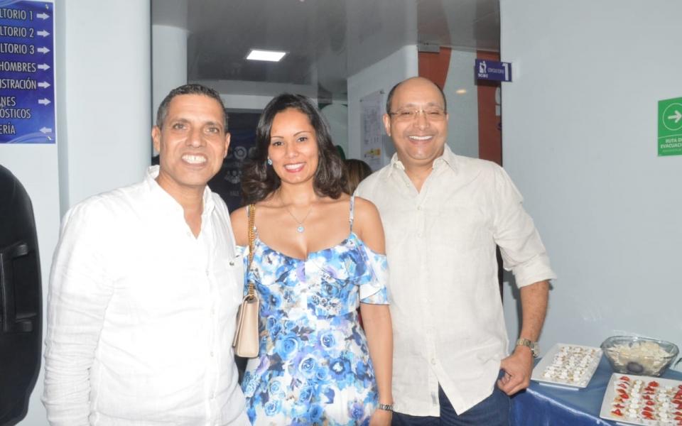 Juan Vives, Carolina Macías y Juan Carlos Gnecco